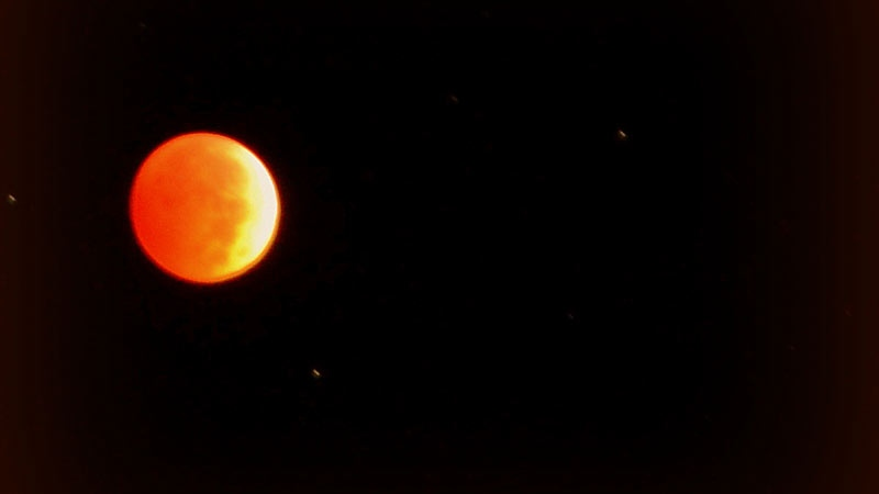 red moon montreal - photo #4