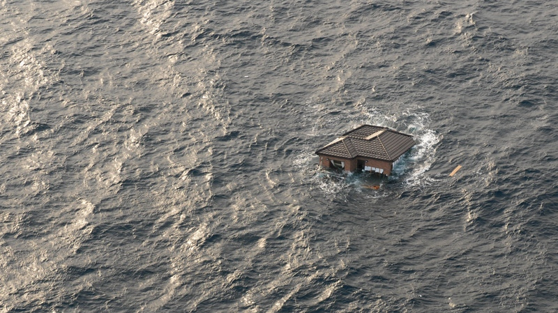 Pacific Ocean, tsunami debris