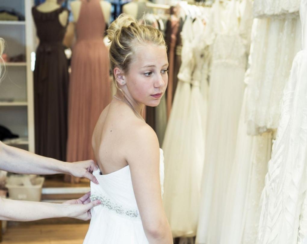 Child bride Thea