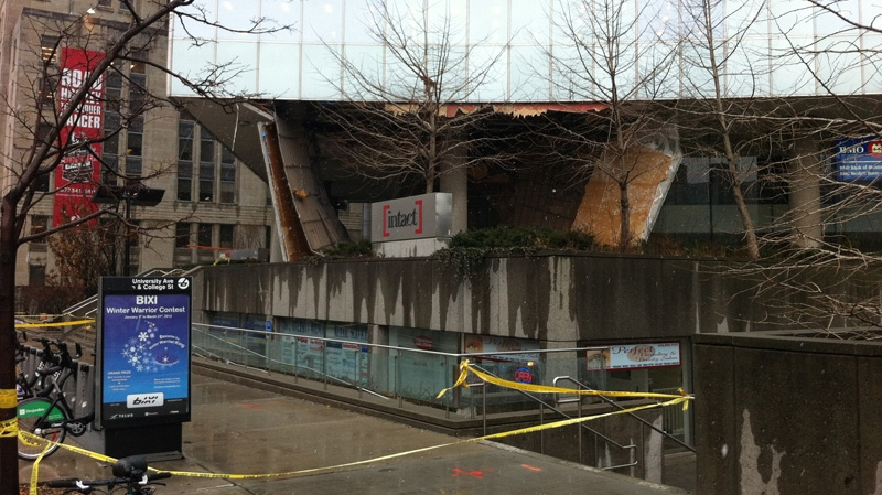 A collapse roof at 700 University Ave. is seen, Wednesday, Feb. 29, 2012. (Aaron Adetuyi for CTV News)