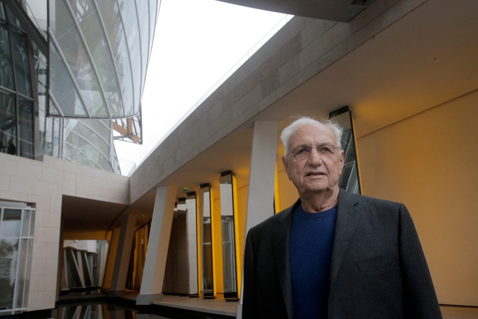 Toronto native architect Frank Gehry at his latest creation, the Louis Vuitton Foundation art museum and cultural center, in Paris. Oct. 17, 2014. (AP /Christophe Ena)