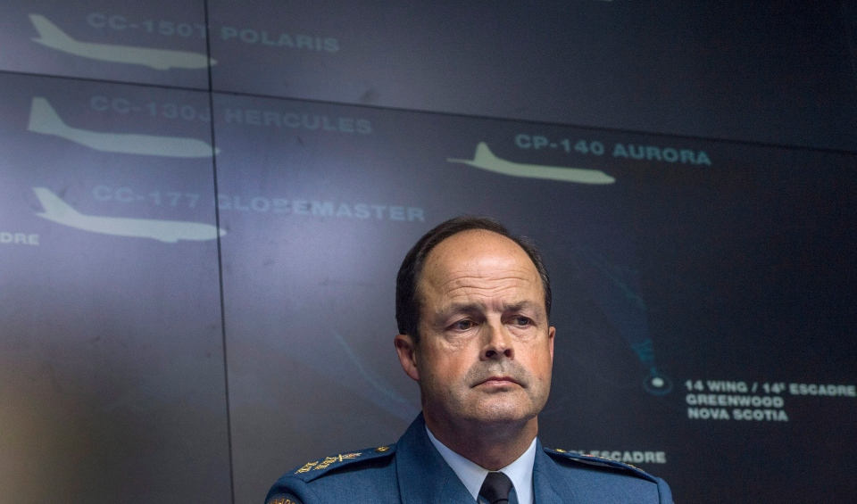 Gen. Tom Lawson, Chief of the Defence Staff, takes a question during a technical briefing on Operation IMPACT, in Ottawa on Friday, Oct. 17, 2014. (Justin Tang / THE CANADIAN PRESS)