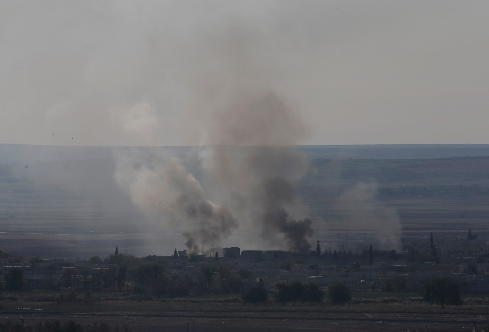 ISIS fighters seize weapons airdrop meant for Kurds   CTV News