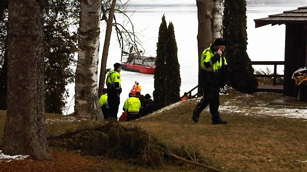 Ice fishermen are rescued after being stranded on ice floe in the Oro Medonte area of Lake Simcoe on Friday, March 9, 2012.(Justin Rydell /  CTV News)
