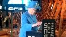 Queen Elizabeth tweets photo