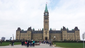 The public returns to Parliament Hill on Saturday, Oct. 25, 2014. (Katie Simpson / Twitter)