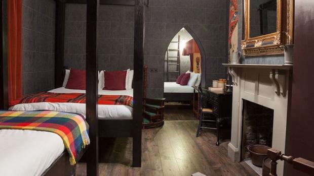 Themed Hotel Rooms Toronto Ontario