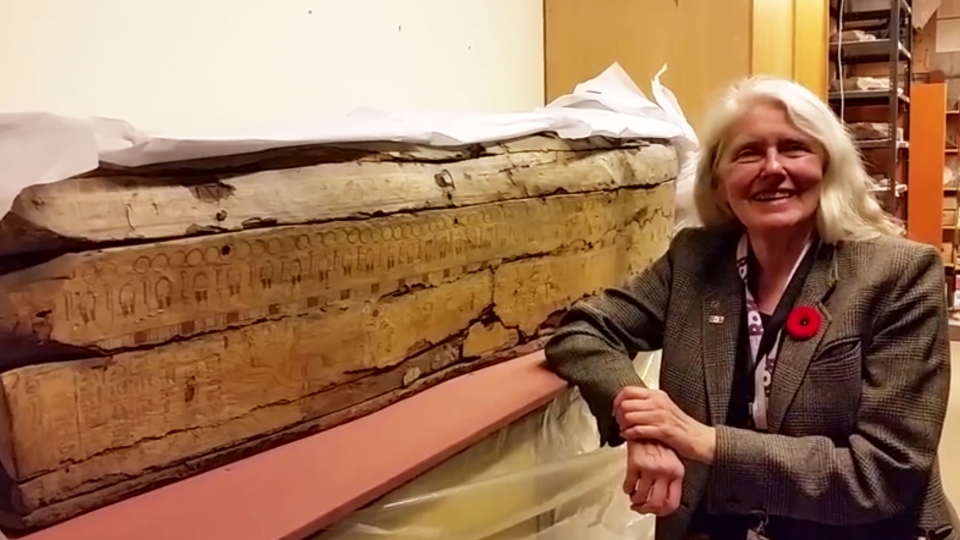 Mysterious ROM mummy gets a name