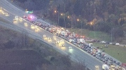 LIVE1: Massive traffic on Highway 400