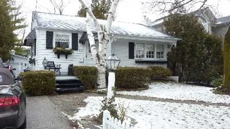 This Toronto home in the Willowdale area sold for $1,355,000 The original listing price was $1,280,000.