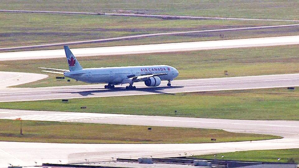 Air Canada flight makes emergency landing
