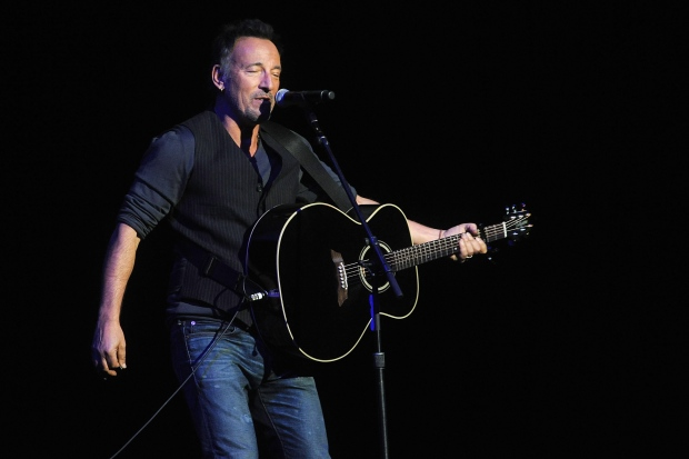 Bruce Springsteen breaks own record for longest US show