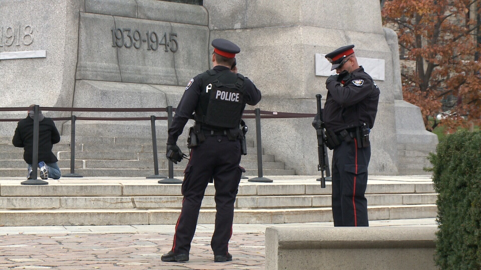 how to become a csis agent in canada