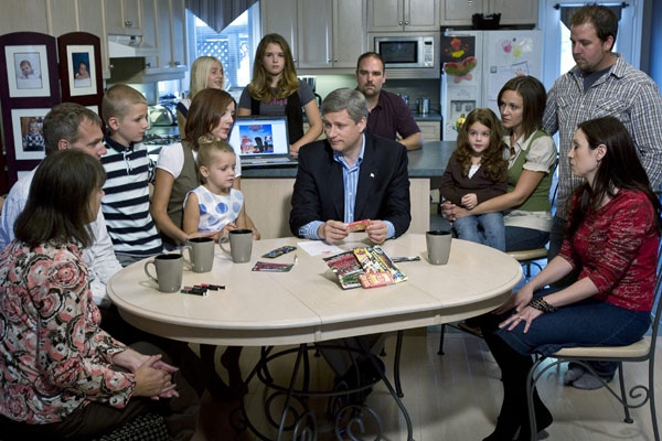 Conservative Leader Stephen Harper discusses with his proposed ban on tobacco products being marketed to children on Wednesday, Sept. 17, 2008, in Welland, Ont. (Paul Chiasson / THE CANADIAN PRESS)
