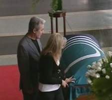 Local residents and former colleagues pay tribute to Marion Dewar during a lying in state at Ottawa City Hall, Thursday, Sept. 18, 2008.