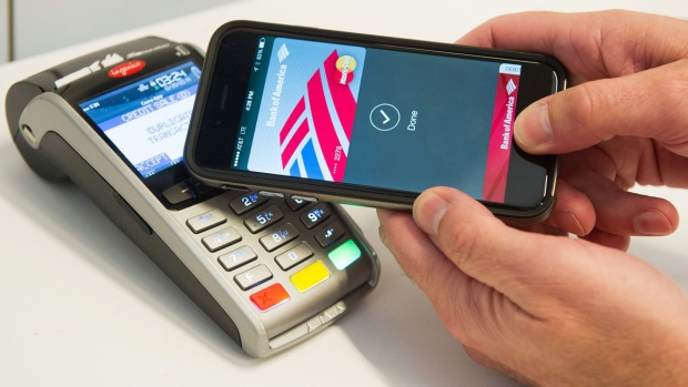MasterCard demonstrates Apple Pay in New York