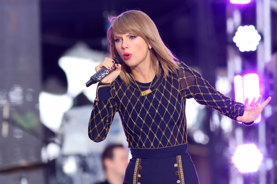 """Taylor Swift performs on ABC's """"Good Morning America"""" in Times Square in New York. (AP File Photo / Greg Allen / Invision)"""