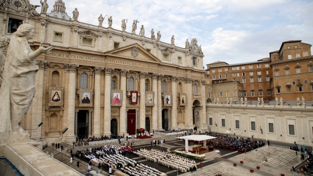 Pope Francis canonizes 6 new saints