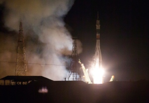 The Soyuz-FG rocket booster with Soyuz TMA-15M space ship carrying a new crew to the International Space Station, ISS, blasts off at the Russian leased Baikonur cosmodrome, Kazakhstan, Monday, Nov. 24, 2014. (AP / Dmitry Lovetsky)