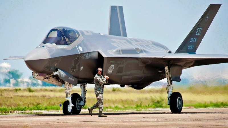 Canada's auditor general has both National Defence and Public Works in his sights when it comes to the troubled F-35 stealth fighter program, say senior government sources. (U.S. Air Force / Samuel King Jr.)