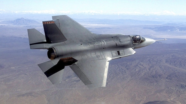 U.S. threatens to pull F-35 from jet competition over industrial requirements