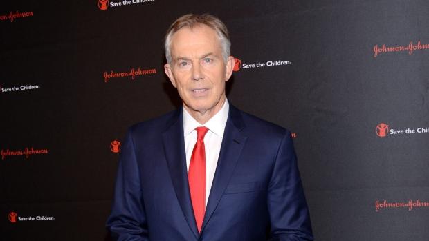 Tony Blair mocked for awkward smile on Christmas card | CTV News