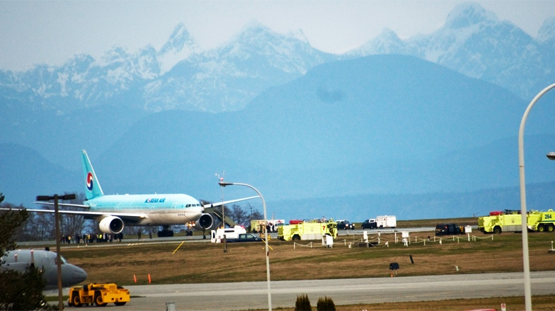 Emergency services respond to a call after a Korean airliner was forced to land at 19 Wing CFB Comox in Comox, B.C., on Tuesday, April 12, 2012. (MyNews.CTV.ca / Edmond Delmore)