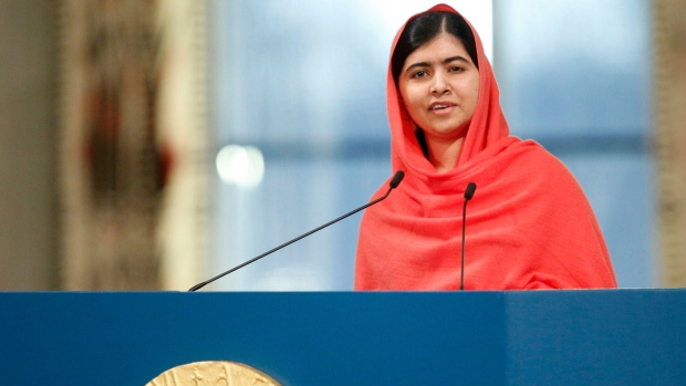Malala accepts Nobel Peace Prize award