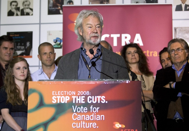 Canadian actor Gordon Pinsent, along with other actors and actresses speak to the media, condemning the Conservative party over cuts within the arts and culture sector, on Wednesday, Sept. 24, 2008. (Nathan Denette / THE CANADIAN PRESS)