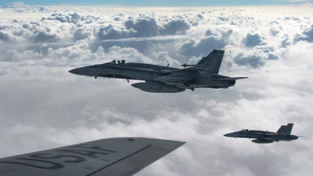 CF-18 Hornets over Iraq
