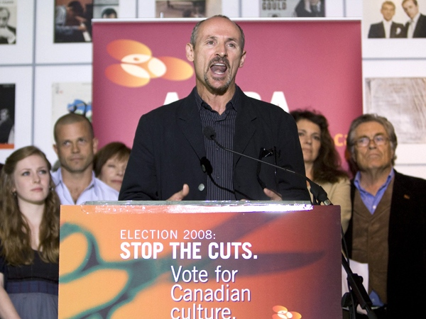 Canadian actor Colm Feore, along with other actors and actresses speak to the media, condemning the Conservative party over cuts within the arts and culture sector of Canada, on Wednesday, Sept. 24, 2008. (Nathan Denette / THE CANADIAN PRESS)