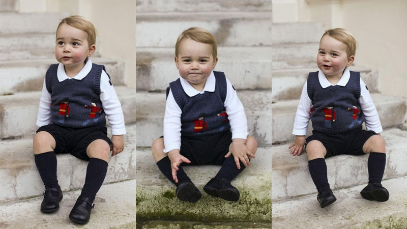 Prince George poses for his official Christmas portraits at Kensington Palace. (TRH The Duke and Duchess of Cambridge)
