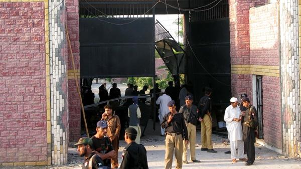 Pakistani security officials visit the central jail in Bannu, 170 kilometer (106 miles) south of Peshawar, Pakistan, on Sunday, April 15, 2012. (AP / Ijaz Muhammad)