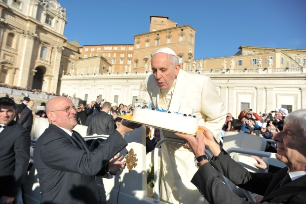 Pope Francis Treated To Tango Performance Cake And Cards For 78th
