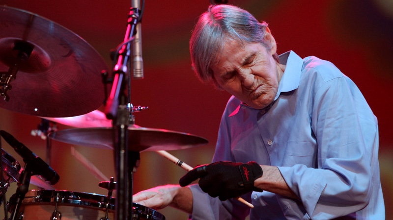 Levon Helm performs with the Levon Helm band during the Heroes of Woodstock concert at Bethel Woods Center for the Arts in Bethel, N.Y., Aug. 14, 2009. (AP / Craig Ruttle)