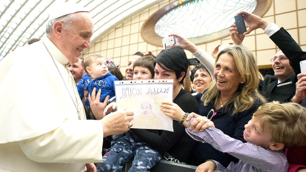Pope pens christmas letter to comfort encourage mideast christians
