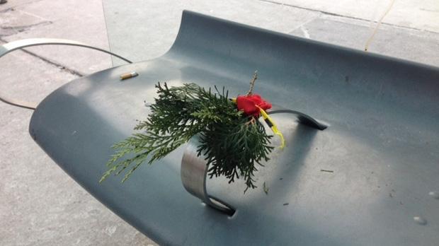 Memorial, homeless man's death, flower