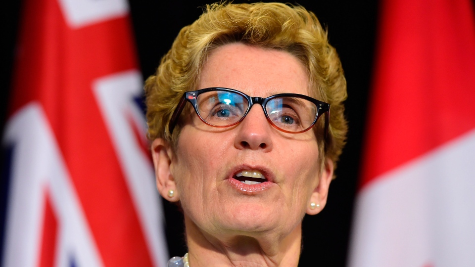 Ontario Premier Kathleen Wynne makes an announcement during a press conference at Queen's Park in Toronto on Tuesday, Jan. 6, 2015. (Frank Gunn / THE CANADIAN PRESS)