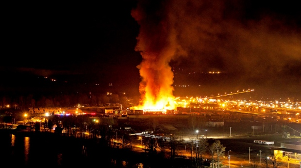 A large fire burns at the Lakeland Mills sawmill in Prince George, B.C., on April 24, 2012. (Andrew Johnson / THE CANADIAN PRESS)