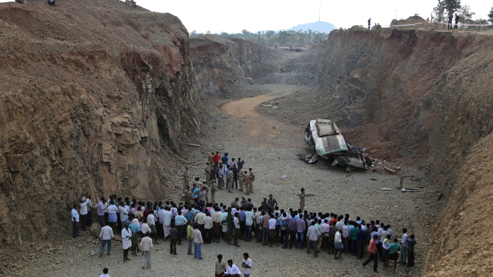 The wreckage of a bus that fell into a gorge in Penukonda, India, on Jan. 7, 2015. (AP / Aijaz Rahi)