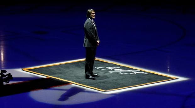 Teemu Forever: Ducks retire Selanne's jersey in emotional ...