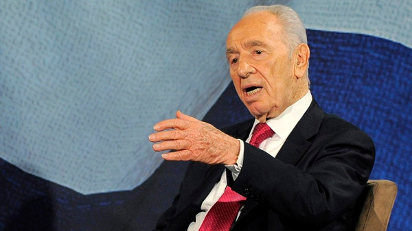 Israeli President Shimon Peres speaks in Beverly Hills, Calif., in this March 8, 2012 file photo. (AP / Chris Pizzello)
