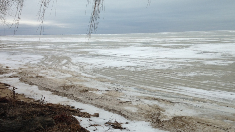 Snow and ice cover Lake St. Clair near Surf Club Drive, Jan.19, 2015. (Chris Campbell / CTV Windsor)
