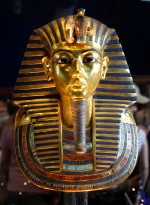 The golden mask of Egypt's famous King Tutankhamen is displayed at the Egyptian museum in Cairo, Egypt in this Feb. 15, 2010 photo. (THE CANADIAN PRESS/AP/Amr Nabil)