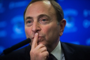 NHL Commissioner Gary Bettman pauses while responding to questions during a news conference in Vancouver, B.C., on January 30, 2015. (Darryl Dyck / The Canadian Press)