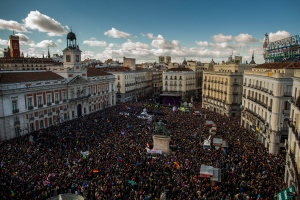 People arrive to the main square of Madrid during a Podemos (We Can) party march in Madrid, Spain, Saturday, Jan. 31, 2015. (AP / Andres Kudacki)