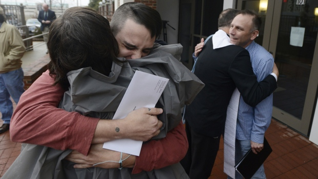 Alabama S Gay Marriage Fight Echoes States Rights Battles