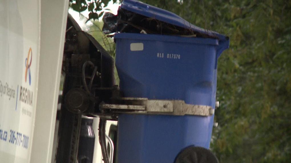 Regina roll-out garbage bins