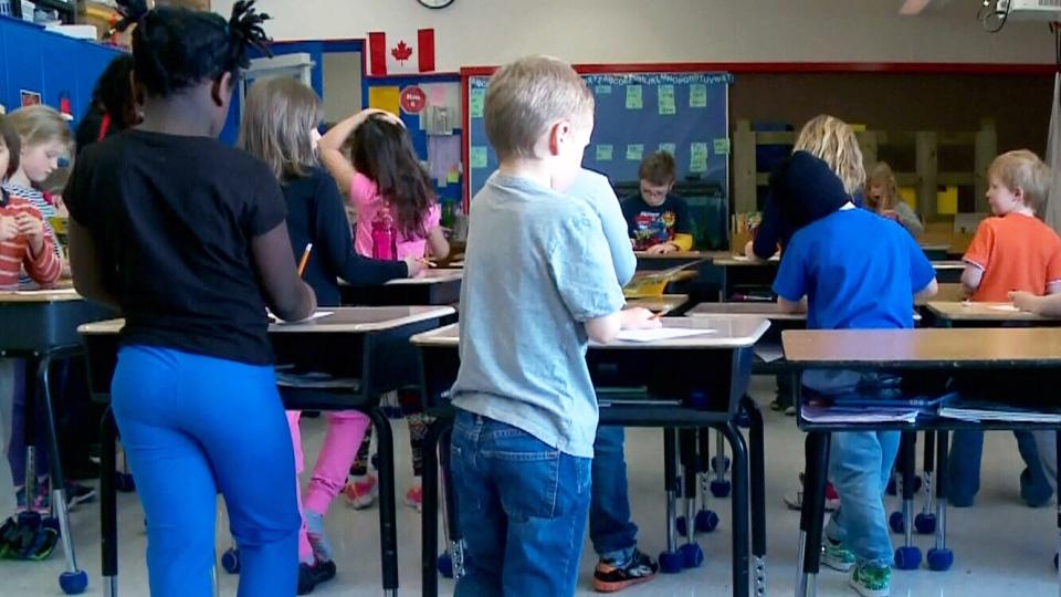 Superb Grade 1 Kids Get Standing Desks In Saskatchewan Town Ctv News Download Free Architecture Designs Intelgarnamadebymaigaardcom