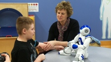 Robot helps with medical treatment